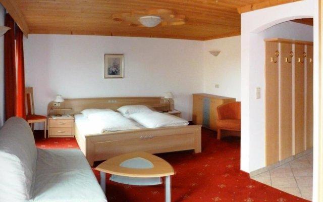 Отель Gasthof Zum Grünen Baum Италия, Лана - отзывы, цены и фото номеров - забронировать отель Gasthof Zum Grünen Baum онлайн комната для гостей