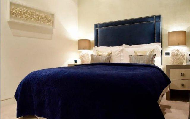 2 Bedroom Apartment Near Oxford Street