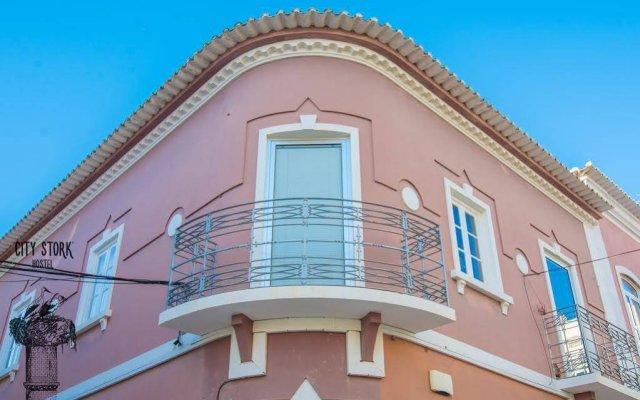 Отель City Stork Hostel Португалия, Портимао - отзывы, цены и фото номеров - забронировать отель City Stork Hostel онлайн вид на фасад