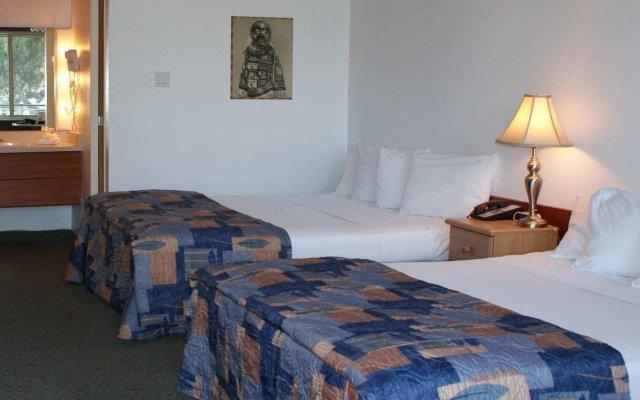 Отель Pauls Motor Inn Канада, Виктория - отзывы, цены и фото номеров - забронировать отель Pauls Motor Inn онлайн комната для гостей