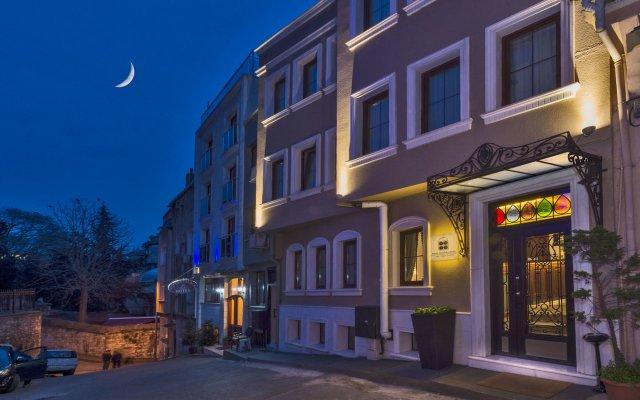 Four Doors Hotel вид на фасад