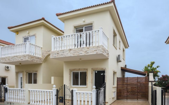 Отель Protaras Villa Lilly вид на фасад