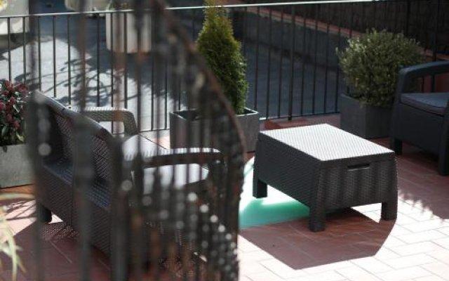 Отель Amra Barcelona Gran Via вид на фасад