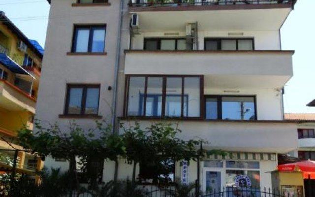 Отель Guest House Rositsa вид на фасад