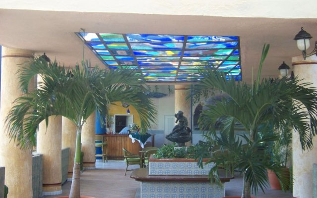 Отель Sunbeach вид на фасад
