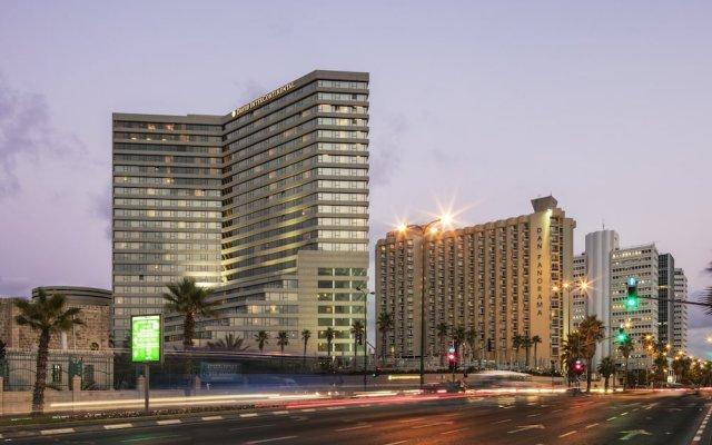 David InterContinental Tel Aviv, an IHG Hotel Израиль, Тель-Авив - 9 отзывов об отеле, цены и фото номеров - забронировать отель David InterContinental Tel Aviv, an IHG Hotel онлайн вид на фасад