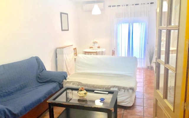 House With one Bedroom in Coslada, With Wonderful City View, Terrace and Wifi