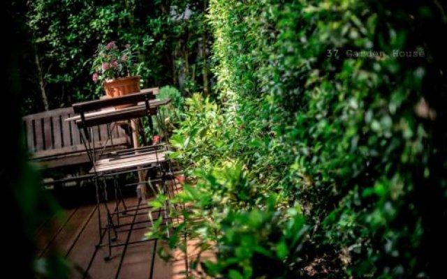 Отель OYO 812 Nature House Бангкок вид на фасад