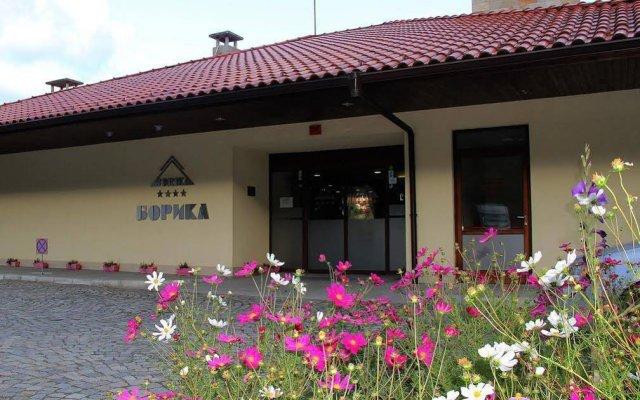 Borika Hotel Чепеларе вид на фасад
