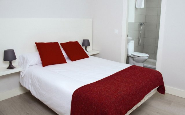 Отель 8Rooms Madrid Мадрид комната для гостей