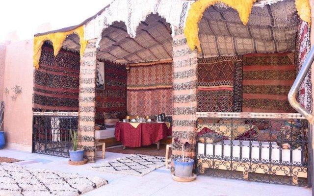 Отель Riad Ouarzazate Марокко, Уарзазат - отзывы, цены и фото номеров - забронировать отель Riad Ouarzazate онлайн вид на фасад