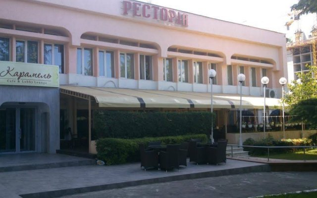 Viktoria Hotel вид на фасад