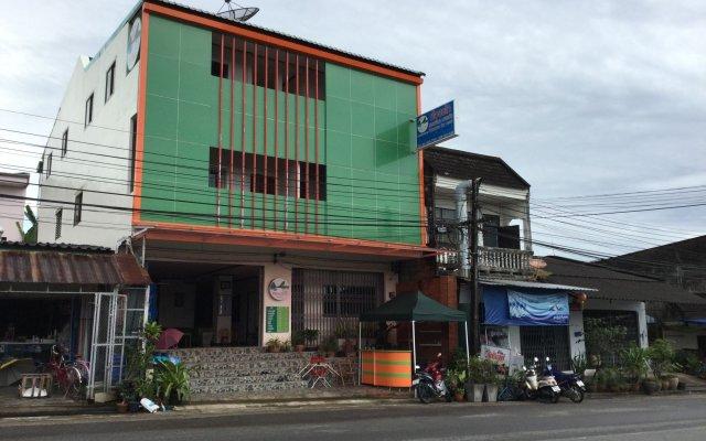 Отель Pro Chill Krabi Guesthouse Таиланд, Краби - отзывы, цены и фото номеров - забронировать отель Pro Chill Krabi Guesthouse онлайн вид на фасад