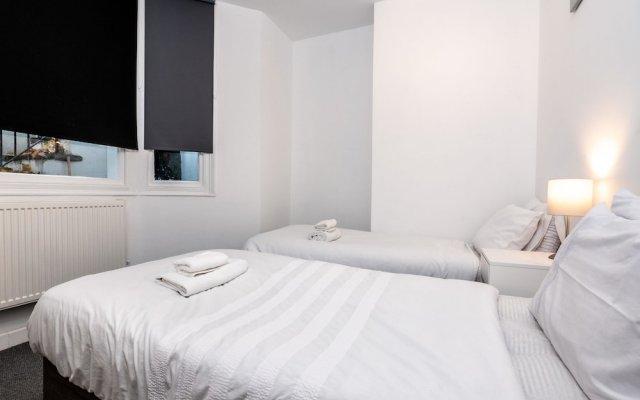 Отель Clyde Road - Brighton - Guest Homes Великобритания, Брайтон - отзывы, цены и фото номеров - забронировать отель Clyde Road - Brighton - Guest Homes онлайн комната для гостей