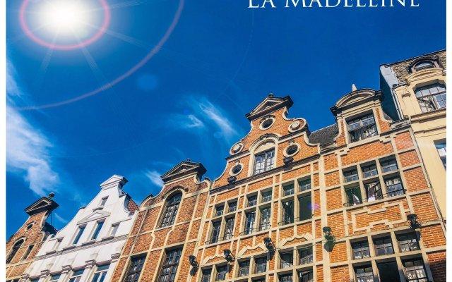 Отель La Madeleine Grand Place Brussels вид на фасад