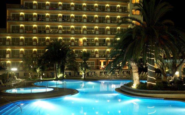 Отель Luna Park Hotel Yoga & Spa Испания, Мальграт-де-Мар - 1 отзыв об отеле, цены и фото номеров - забронировать отель Luna Park Hotel Yoga & Spa онлайн вид на фасад