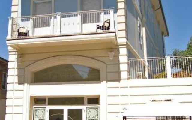 Отель Residence La Villetta Римини вид на фасад