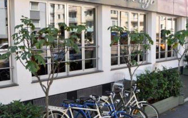 Отель Hostel die Wohngemeinschaft Германия, Кёльн - отзывы, цены и фото номеров - забронировать отель Hostel die Wohngemeinschaft онлайн вид на фасад