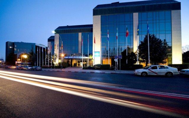 Отель Melia Avenida de America вид на фасад
