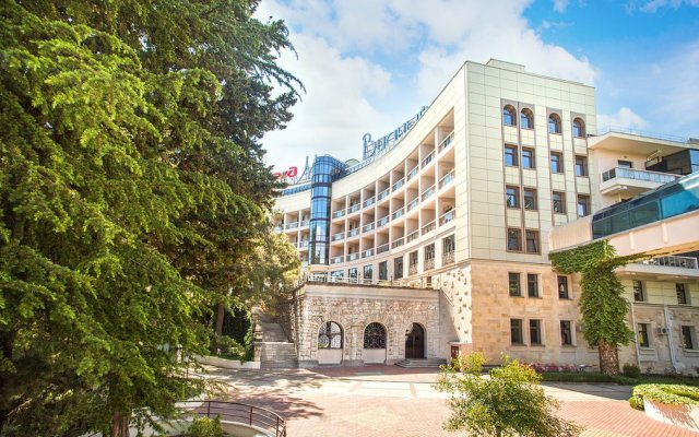 Гостиница Мыс Видный вид на фасад