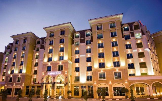 Avani Deira Dubai Hotel вид на фасад