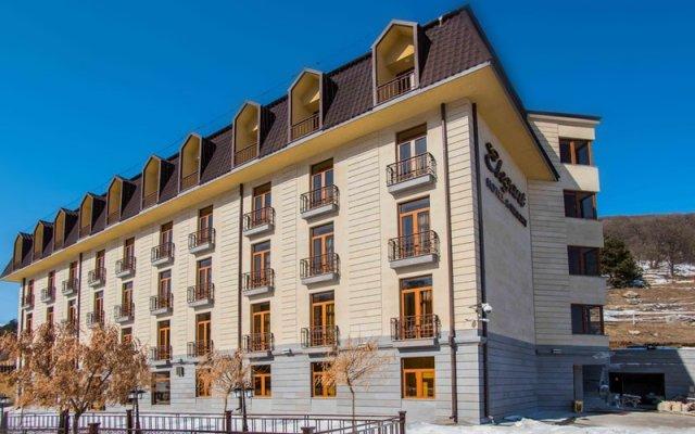 Отель Элегант(Цахкадзор) вид на фасад
