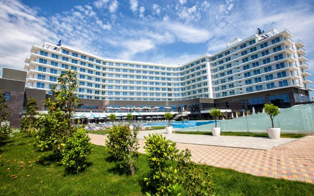 Гостиница Radisson Collection Paradise Resort and Spa Sochi вид на фасад