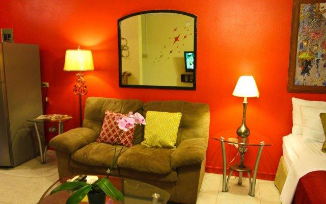 Апартаменты Sunset Strip Acadia Guest Apartment комната для гостей