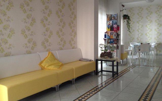 Hotel Luana Римини комната для гостей