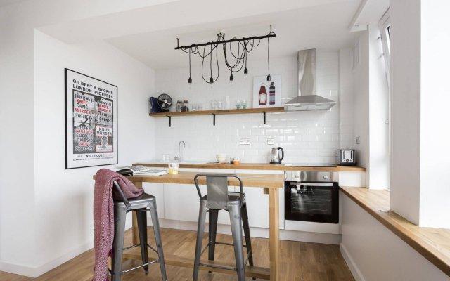 Апартаменты onefinestay - Soho Apartments комната для гостей