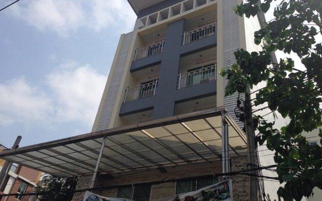 Отель Richly Villa Бангкок вид на фасад