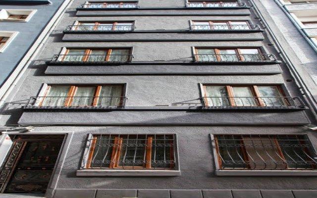 Отель Myra Pera вид на фасад