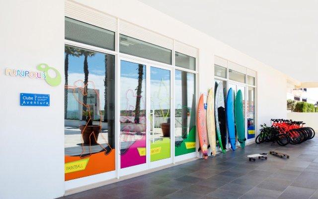 Отель The Beachfront Praia D'el Rey Golf & Beach Resort вид на фасад