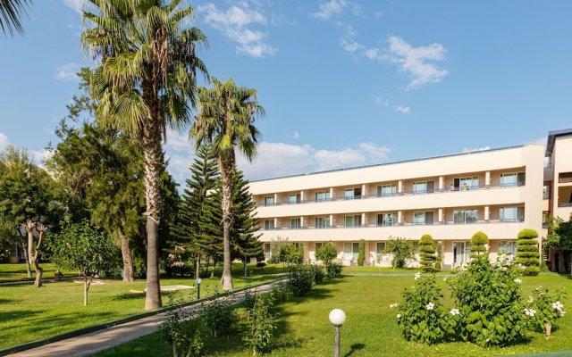 LABRANDA Alantur Resort Турция, Аланья - 11 отзывов об отеле, цены и фото номеров - забронировать отель LABRANDA Alantur Resort онлайн вид на фасад