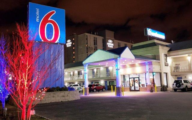 Отель Motel 6 Elizabeth - Newark Liberty Intl Airport США, Элизабет - отзывы, цены и фото номеров - забронировать отель Motel 6 Elizabeth - Newark Liberty Intl Airport онлайн вид на фасад