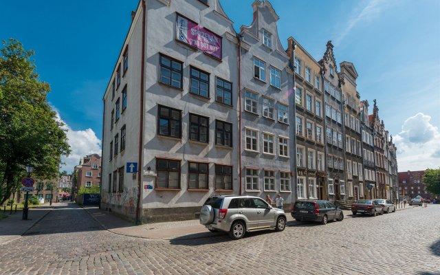 Отель Apartamenty Apartinfo Old Town Гданьск вид на фасад