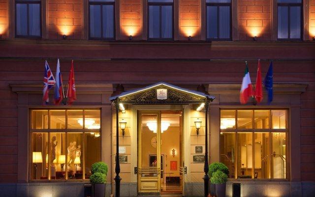 Гостиница Англетер Санкт-Петербург вид на фасад