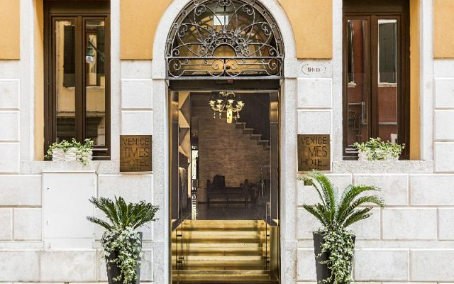 Venice Times Hotel