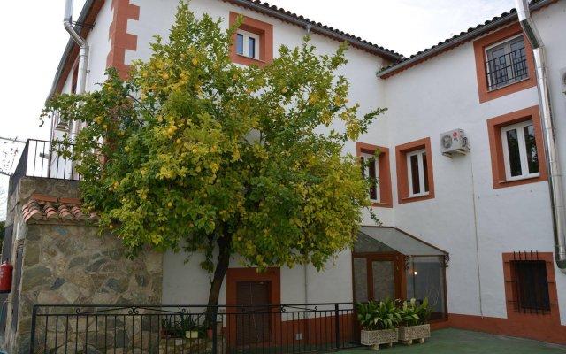 Отель Hostal San Miguel Испания, Трухильо - отзывы, цены и фото номеров - забронировать отель Hostal San Miguel онлайн вид на фасад