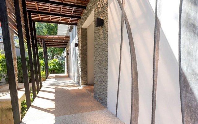 Отель Andaman Embrace Patong вид на фасад