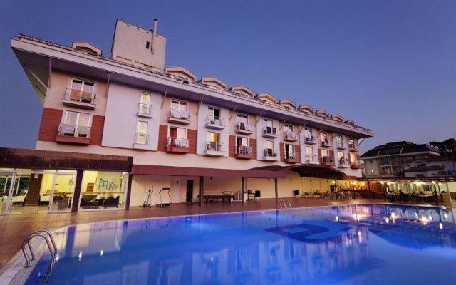 Larissa Blue Hotel вид на фасад