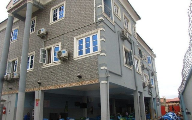 Marvel Hotel & Suites LTD вид на фасад