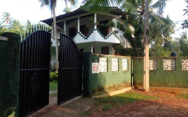 Отель Sheen Home stay Шри-Ланка, Пляж Golden Mile - отзывы, цены и фото номеров - забронировать отель Sheen Home stay онлайн вид на фасад