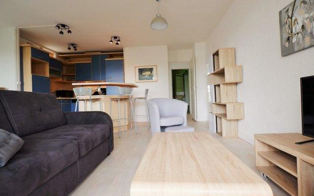 70 m² Avec Balcons et Parking 1