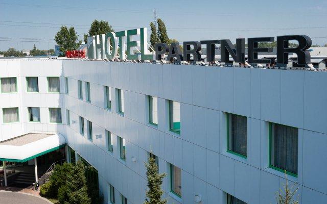 Hotel Partner вид на фасад