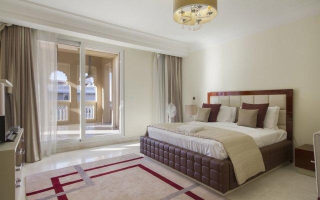 Отель Bespoke Residences - Grandeur Residences комната для гостей