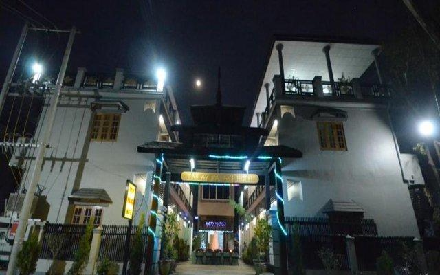 Отель Inlay Palace Hotel Мьянма, Хехо - отзывы, цены и фото номеров - забронировать отель Inlay Palace Hotel онлайн вид на фасад