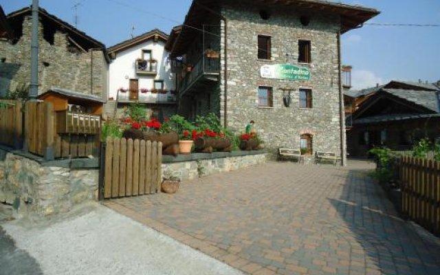Отель Affittacamere Il Contadino Поллейн вид на фасад