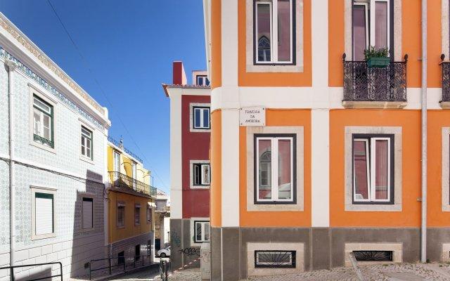 Отель Feeling Lisbon Tejo вид на фасад