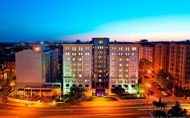 Отель Churchill Hotel Near Embassy Row США, Вашингтон - отзывы, цены и фото номеров - забронировать отель Churchill Hotel Near Embassy Row онлайн вид на фасад